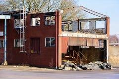 Fabbricato industriale bruciato Immagine Stock