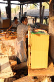 Fabbricazione degli strati di carta di bambù Fotografia Stock