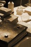Fabbricazione dei vecchi libri Fotografia Stock Libera da Diritti