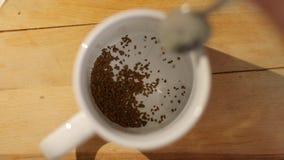 Fabbricazione del coffe di mattina video d archivio