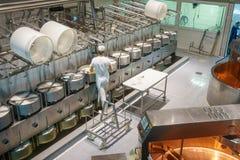Fabbricazione del formaggio fotografia stock libera da diritti