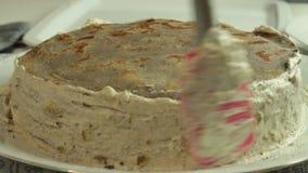 Fabbricazione della crema per la ricetta del dolce del cr?pe archivi video