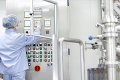 Fabbricazione della medicina e farmaceutica Fotografie Stock Libere da Diritti