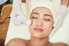 Fabbricazione della procedura del Facial di ultrasuono immagine stock