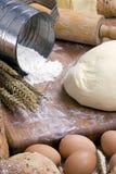 Fabbricazione della serie 013 del pane fotografie stock