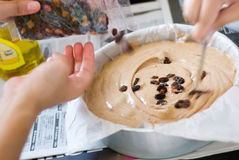 Fabbricazione della torta Fotografie Stock