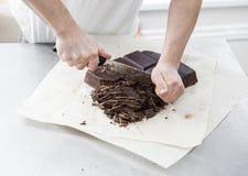 Fabbricazione delle caramelle di cioccolato fotografia stock libera da diritti