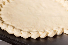 Fabbricazione di dolce in bianco Fotografia Stock