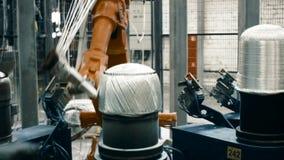 Fabbricazione di fibra del carbonio per l'industria militare video d archivio