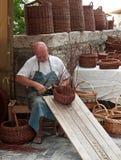 Fabbricazione di panieri tradizionale Immagini Stock