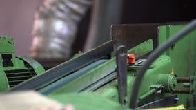 Fabbricazione di pavimentazione, elaborazione del parquet stock footage