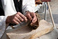 Fabbricazione tradizionale rumena del sandalo Immagine Stock Libera da Diritti
