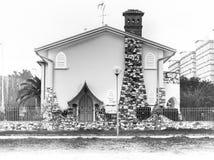 Fabel-Straßen-Haus lizenzfreies stockbild