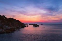 Fabelachtige zonsopgang met fantastische kleuren Stock Foto's
