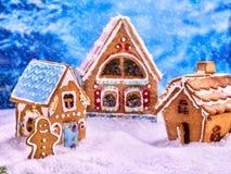 Fabelhaftes Haus des Lebkuchens drei für Weihnachten Stockfotografie