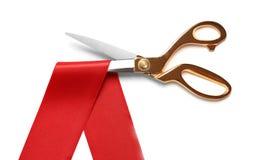 Faborek i nożyce na białym tle Ceremonialny czerwonej taśmy rozcięcie obrazy stock