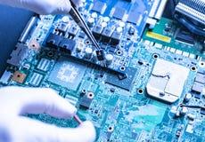 Fabricação das placas eletrônicas f do computador da tecnologia do micro moderno novo fotografia de stock royalty free