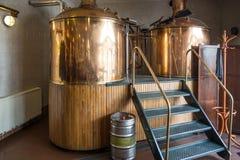 Fabricação de cerveja Fotos de Stock Royalty Free