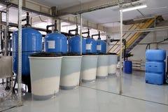 Fabricação de purificação da água e dos líquidos fotografia de stock royalty free