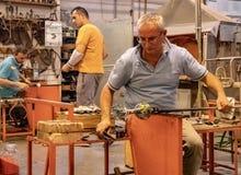 Fabricação de vidro na ilha de Murano fotografia de stock