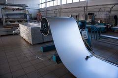 Fabricação e conjunto dos painéis de sanduíche metálicos para navios Imagem de Stock