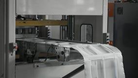 A fabricação plástica das lancheiras, pacote descartável do alimento acautela-se a linha de produção video estoque