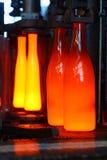 Fabricación de botellas Fotos de archivo
