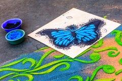 Fabricación de la alfombra de la procesión del Viernes Santo, Antigua, Guatemala Fotografía de archivo libre de regalías
