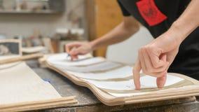 Fabricación de la cubierta de Longboard Foto de archivo libre de regalías