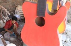 Fabricación de la guitarra Foto de archivo libre de regalías