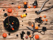 Fabricación de la joyería para Halloween Imagen de archivo libre de regalías