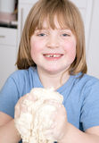 Fabricación de la pasta de amasamiento del pan Foto de archivo