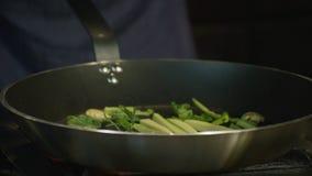 Fabricación de la salsa para las pastas