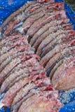 Fabricación de los pescados de la sal fotografía de archivo libre de regalías