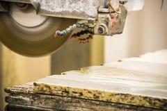 Fabricación de piedra de la encimera Fotografía de archivo
