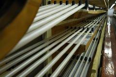 Fabricación de una cáscara natural para la salchicha Cáscara del colágeno para las salchichas Industria de las cubiertas del colá fotografía de archivo libre de regalías