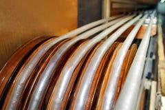 Fabricación de una cáscara natural para la salchicha Cáscara del colágeno para las salchichas Industria de las cubiertas del colá foto de archivo
