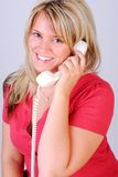 Fabricación de una llamada de teléfono Fotos de archivo libres de regalías