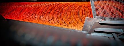 Fabricación del alambre - producción metalúrgica fotos de archivo