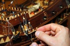 Fabricación del barco de madera Imágenes de archivo libres de regalías