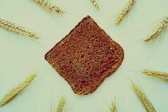 Fabricación del pan sabroso foto de archivo