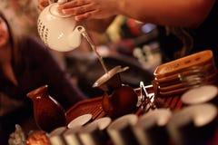 Fabricación del té Fotografía de archivo libre de regalías