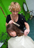 Fabricación de corte de pelo Foto de archivo libre de regalías
