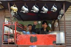 Fabricant de thé au Pakistan Images libres de droits