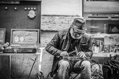 Fabricante da rua em Roma, Itália foto de stock royalty free