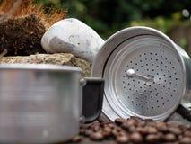 Fabricante de café de acampamento do alumínio, café exterior Foto de Stock