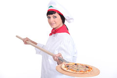 Fabricante de la pizza Fotografía de archivo libre de regalías