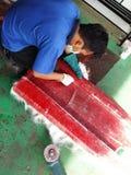 Fabricante de los barcos de la fibra de vidrio Fotografía de archivo libre de regalías