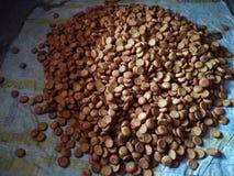 Fabricatie van koekjesprocédé in bakkerijwinkel royalty-vrije stock afbeeldingen