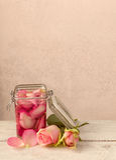 Fabrication de l'eau rose Images libres de droits